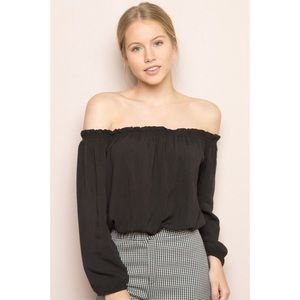 Brandy Melville off the should black top